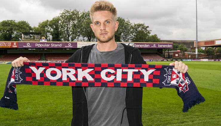 Louis Almond Signs